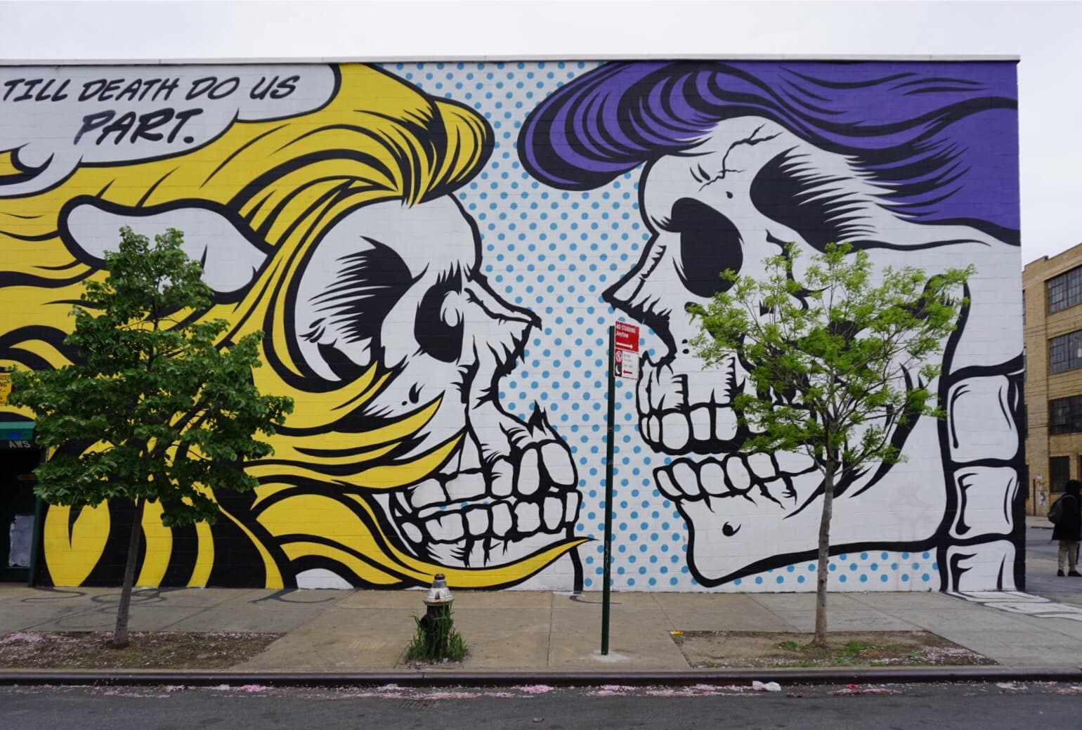 brooklyn graffiti and street art tour two traveling texans the style is very pop art but it has the edgy street vibe